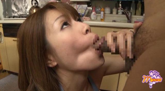 【エロ動画】団地妻 旦那には言えない淫らに疼く昼下がりの画像