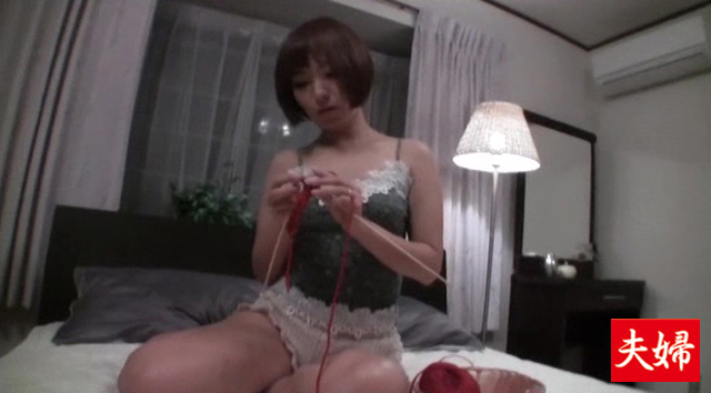 【エロ動画】堅物な妻を騙してオイルマッサージでイカせて勃起したものを・・・の画像