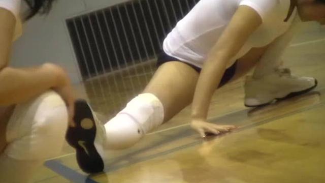 【エロ動画】ムチムチ! スポーツ・団地妻のエロ画像1枚目