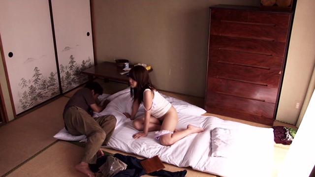 エロ動画、最愛の息子との・・・逃避行の果て〜禁断の愛〜の表紙画像