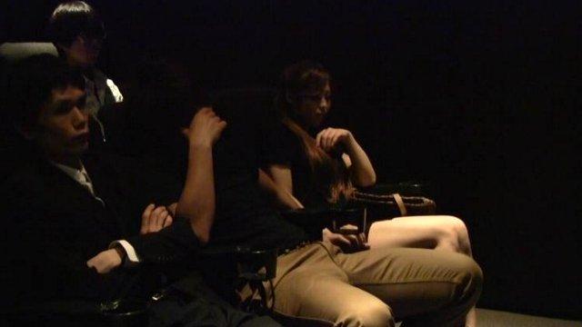 エロ動画、クチュクチュ音がきこえちゃう…映画館でこっそり痴漢の表紙画像