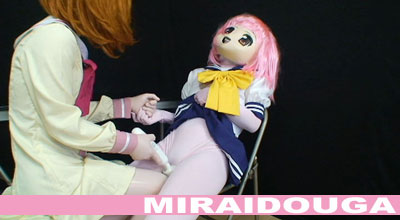 着ぐるみアニメマスク女子校生達の日常