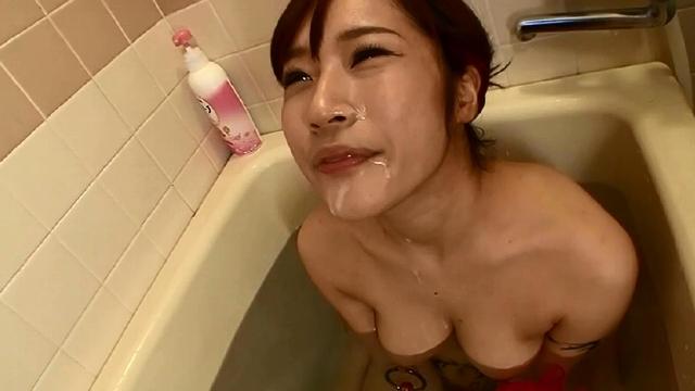 衝撃! 乳首ピアスの変態女 ASAMI