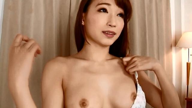 ω32! 完全生クレア! 性的欲望を喚起する扇情的スーパーボディ! 蓮実クレア(23)