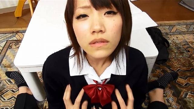 女子校生パンチラ×めっちゃ好きやねん 転校してきたクラスメイトのパンチラをチラ見してたら、彼女もモジモジしながら僕を見つめてた。