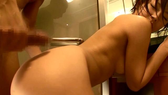 紗倉まな 溢れる愛液、唾液、汗…体液まみれ濃密汁音SEX