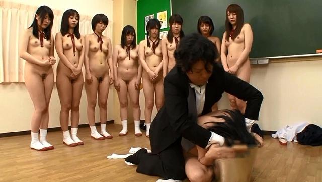 想像してみてください、あなたは教師。10人の○学生に授業中集団催眠をかけたら…。あなたが生きている内にやり遂げたかった10のタブー