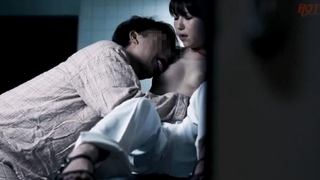 夜勤中の人妻看護師覗き 痴女気味な人妻ナースとの超展開! まさかの院内SEX!? 2