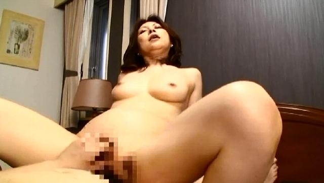 貞淑な人妻が性欲爆発!! ホームパーティビデオが捕えた 見た目とは裏腹に乱れるセレブたちの性癖12人4時間