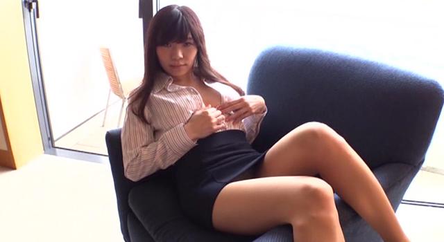 三井里彩 愛情表現下手な私をどう思います?