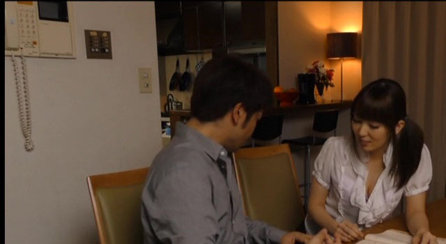 エロ動画、人妻家庭教師 波多野結衣の表紙画像