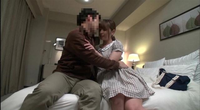 「キスだけで…濡れちゃうんだもん…」 おじさん食堂02 キスだけでパンティがビショビショになっちゃう位に感じやすい奥さんの手料理とセックスが二つの意味でオイシイ。