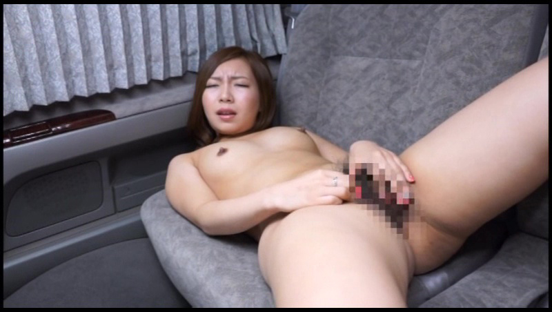 まんずり鑑賞会2 シロウト女性が恥らいながらカメラの前でオナニー披露!