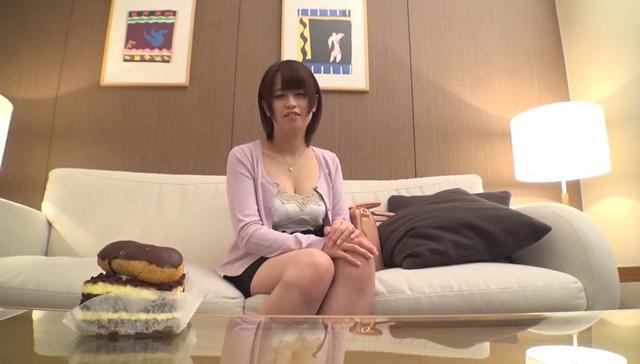 ひなの 20歳 人妻 ORE-038