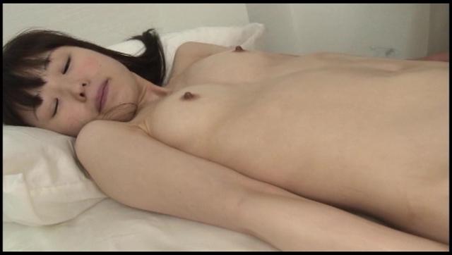 ロリ体型の女の子10人連続セックス