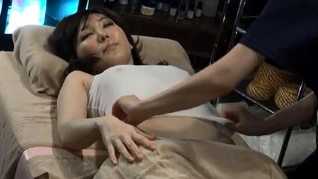 エロ動画、レズエステ人妻高級オイルマッサージ 8時間総集編 3の表紙画像