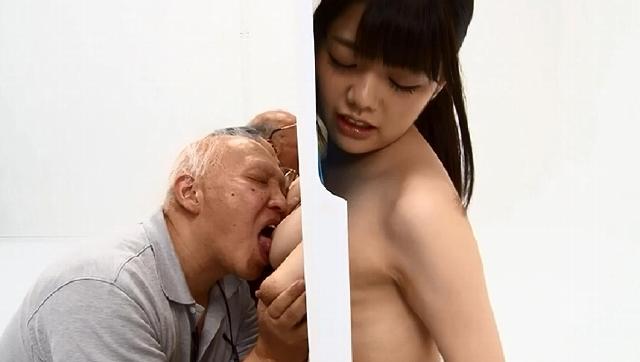 爺なら孫娘の裸当ててみて! 冥土の土産に近親相姦3時間SP