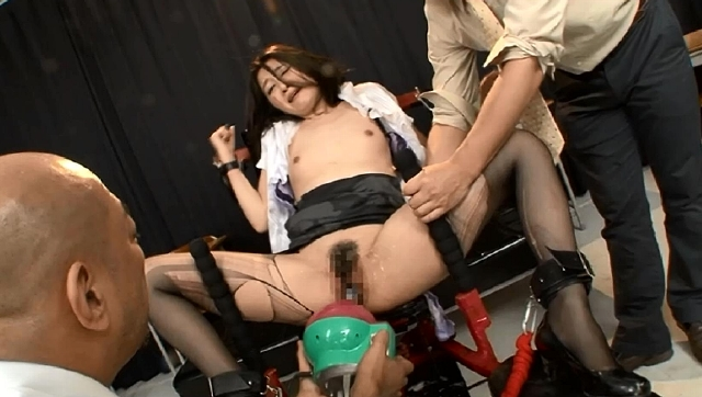 肉奴隷学園マシンバイブで姦られて、白目エビ反り痙攣・激潮! そして失神する女教師