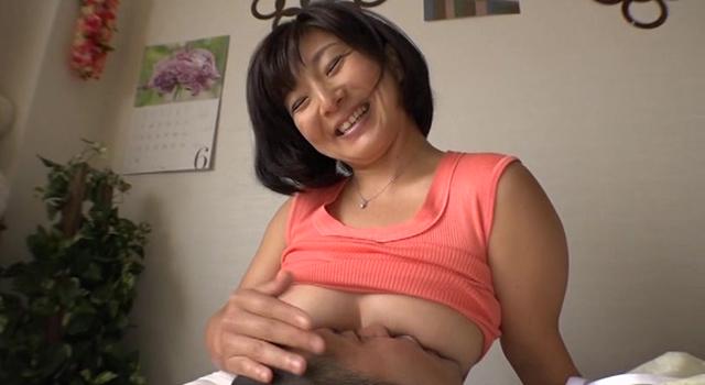 パイパン巨乳ママ M息子たちの赤ちゃんプレイ願望Gカップ美人変態ママ いつき