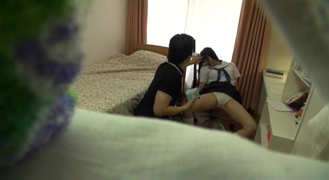女子校生の教え子に睡眠薬を飲ませ会うたびに犯し記録し続けた家庭教師の投稿映像