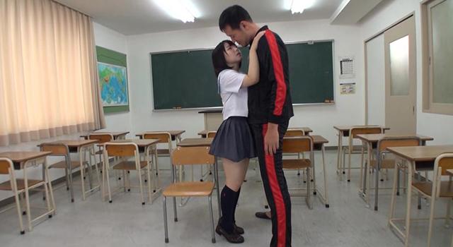 つるマン汗だくJK 愛須心亜 美少女が性欲を剥き出しに、がむしゃら中出しSEX