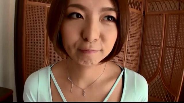 エロ動画、ザーメンごっくん専用どすけべ巨乳妻の表紙画像