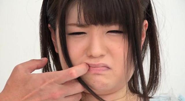 【エロ動画】顔面レイプ 誰にも見せたことのない辱められた美女の顔面記録|這いよれ!スリラー女子さん-エロ動画-