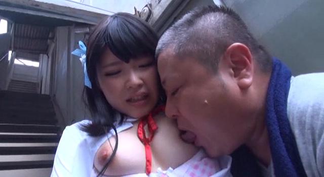 エロ動画、ドM変態美少女ザーメン&小便ごっくん顔面崩壊調教 芦田知子の表紙画像