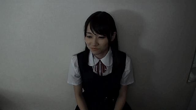 処女喪失 美少女アイドル研究生中出し枕営業 みお「私、夢の為ならなんでも出来ます…」