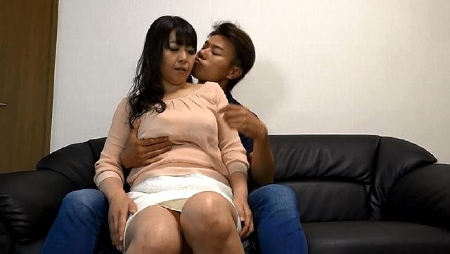【エロ動画】一度限りの背徳人妻不倫(16) 恥じらう巨乳妻が潮吹き絶頂本気SEX・加奈43歳 這いよれ!スリラー女子さん-エロ動画-