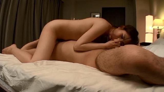 「凄い気持ちいいんだもん…キス…」 おじさん食堂04 とても美味しそうにトロけるようなキスをする奥さんの手料理とセックスが二つの意味でオイシイ。