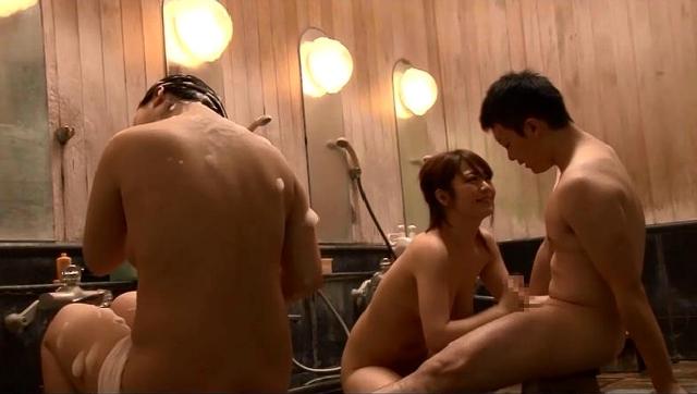 「混浴と勘違いしたフリして美淑女だらけの女湯に入り込んでヤられた」VOL.1