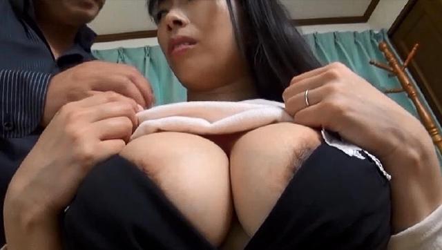 巨乳ステージママ肉欲性接待 2