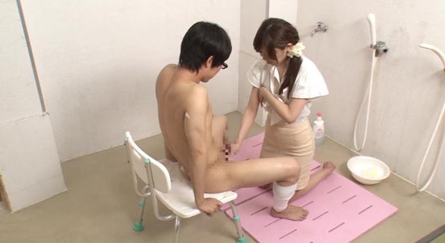 「お見舞いに来てくれた姉の無防備な透け乳と胸チラで勃起したら『看護師さんに迷惑かけるくらいなら・・・』と優しくエッチまでしてくれた」VOL.1