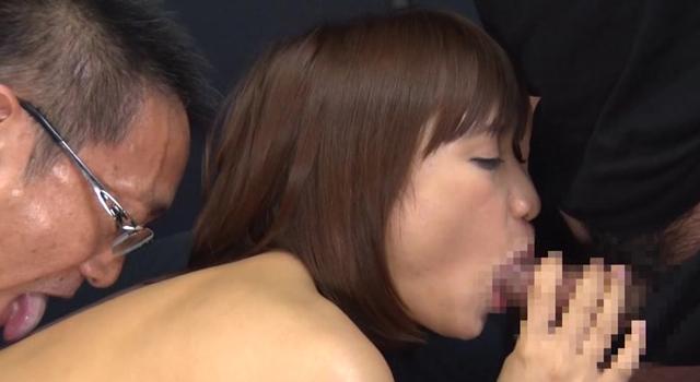 素人メガネっ子は脱いだらスレンダーボディにEカップで男性経験が少ないのに巨根セックスで最後は中出ししちゃいます!! サリーちゃん 22才