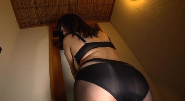 エロ動画、Hカップ若妻不倫旅行 若槻みづなの表紙画像