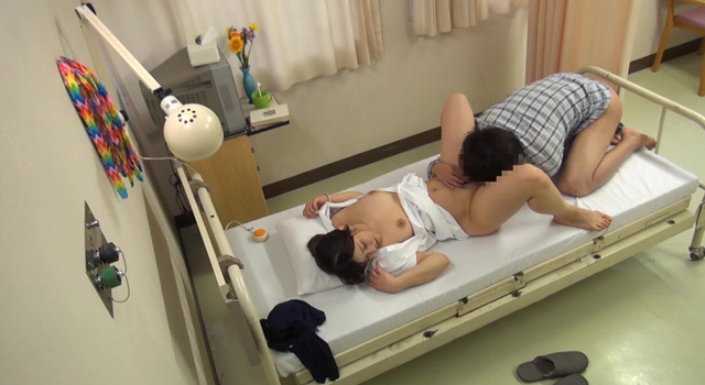 働く本物看護師に惚れちゃった一般男性患者がマジ告白!「長引く入院生活で反り返るほど溜まったち○ぽを素股でヌいてくれませんか?」退院直前の滑り込み交渉で白衣の天使は優しくまたがってくれるの…