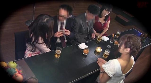 闇営業のヤリすぎパブ 2000円飲み放題!ヤリ放題!!一般男性を誘い込み一夜限りの店内FUCK!!