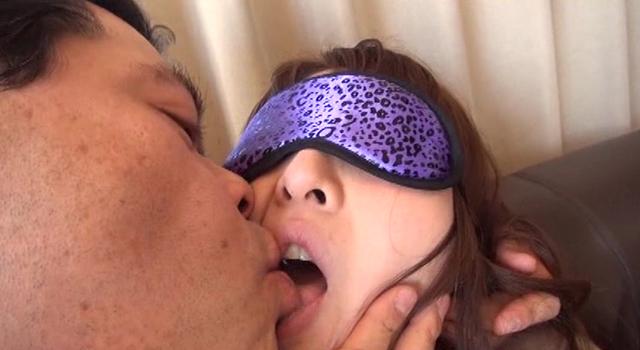 エロ動画、39歳キセキのデカ尻淫乱美BODY妻AVデビューの表紙画像