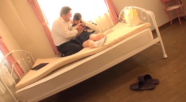 エロ動画、上京してきた女性とマンションの内見に行きその場で強姦した不動産業者の投稿映像の表紙画像