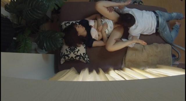 【エロ動画】ダマで中出し ナンパ連れ込み素人妻 ガチで盗撮無断で発売 17のエロ画像1枚目