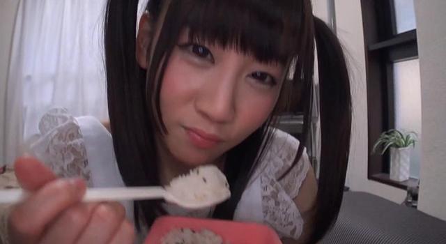 エロ動画、生中出しが出来る美少女ママデリバリー 篠宮ゆりの表紙画像