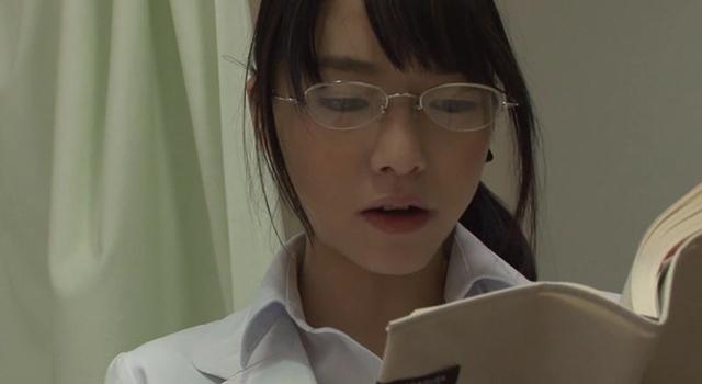 エロ動画、「仕事熱心な看護師/女医に『勃起不全の治療』として官能小説の読み聞かせをお願いしたら冷静な顔してパンツの濡れが止まらない」VOL.1の表紙画像