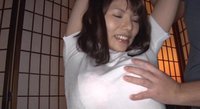 美巨乳セレブ妻 初めてのAV撮影