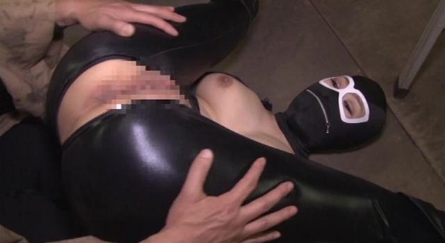 女戦闘員拷問陵辱