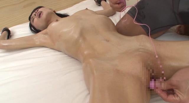 エロ動画、衝撃!超スレンダー女子アナ 尾島みゆきの表紙画像
