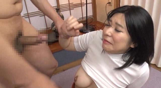 乳首ピンコ勃ち★ノーブラニット人妻中出しナンパ!!