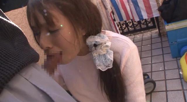 【エロ動画】えずき汁が吹き出るイラマチオをされ続け喉奥イキする上品妻|這いよれ!スリラー女子さん-エロ動画-