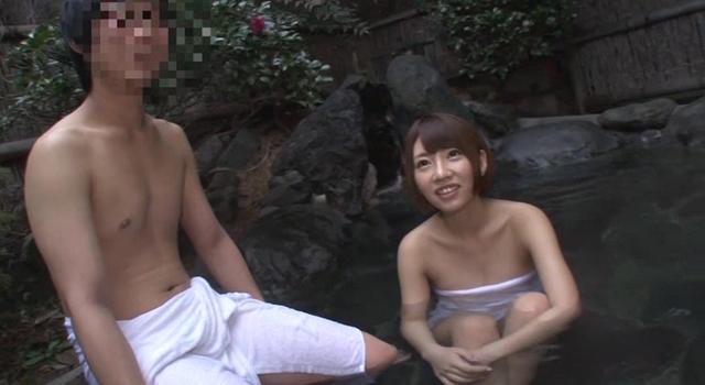 「結婚するまでお互いに貞操を守ろうね」と常々話していた友達同士の男女が初めて2人きりの混浴露天風呂に入ったら友情よりも性欲が勝ってしまうのか?