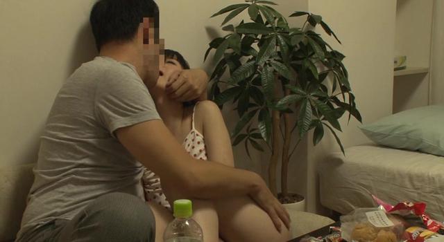 【エロ動画】「おじさんがおこづかいあげる」少女自宅連れ込みいたずら隠し撮り!無断で強制AVデビュー5のエロ画像1枚目